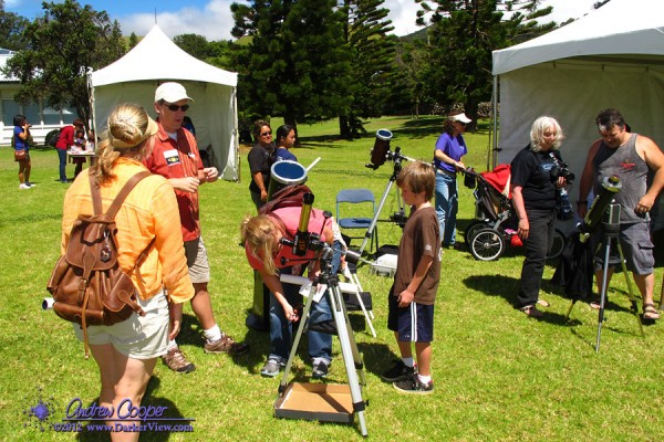 Visitors enjoy great views of an active Sun at the 2012 Waimea Planet Walk