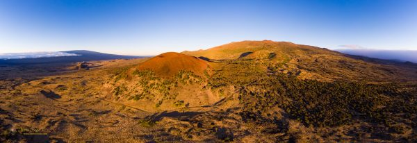 A panorama from Puʻu Kole with Mauna Kea behind