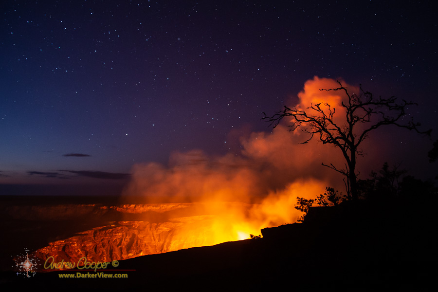 The glowing pit of Halemaʻumaʻu with the new lava lake